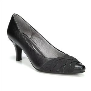 Life Stride Sz 10 Kimble Black Pump High Heel Shoe